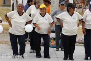 En el hospital del Seguro Social de Durán se realizan actividades como gerontogimnasia, teatro y danza folclórica. | FOTO: JOSÉ MORÁN